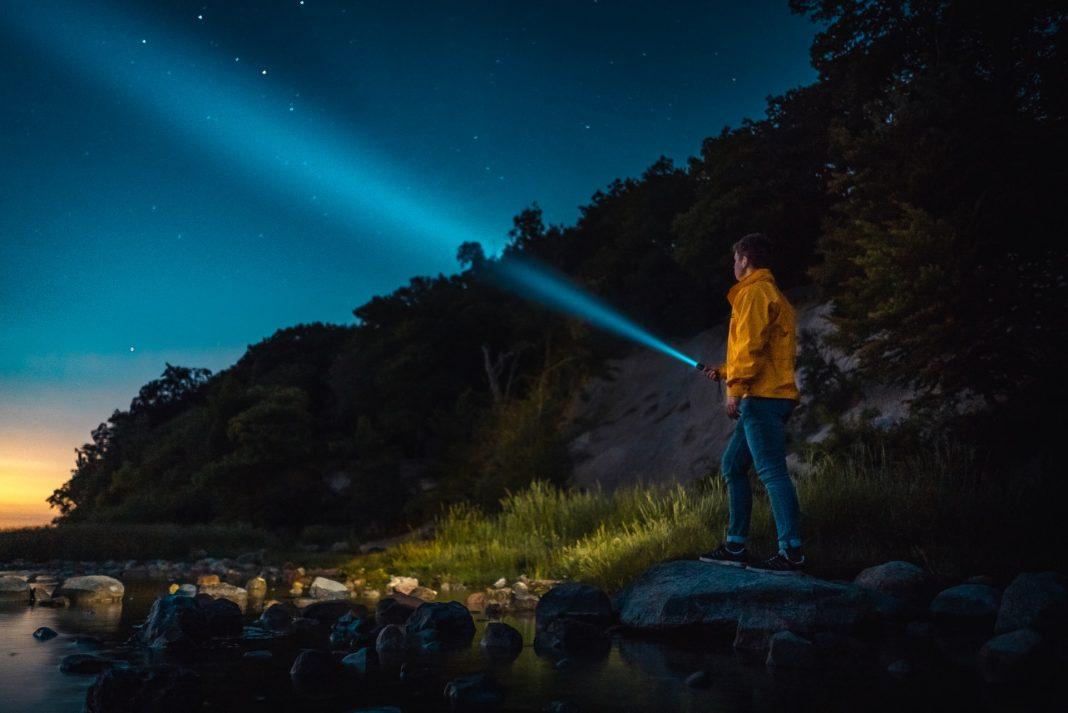 best backpacking flashlight