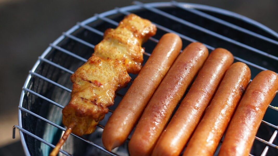 How Long to Grill Hot Dogs